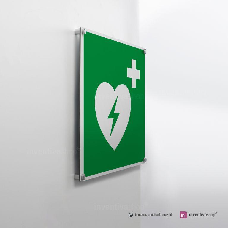 Cartello defibrillatore E010