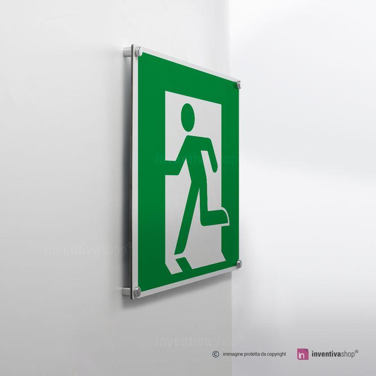 Cartello uscita di emergenza E001