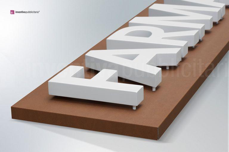 Insegna LetPanel con lettere a luce riflessa, spessore lettera 4 cm