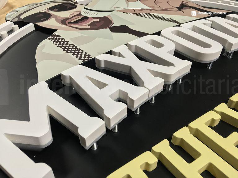 LetPanel con lettere non luminose CLASSIC LETTER 20 e lettere luminose CLASSIC-BACKLIT